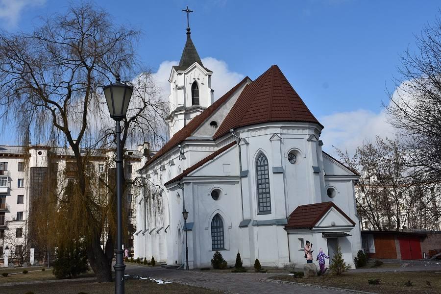 kostel-roha