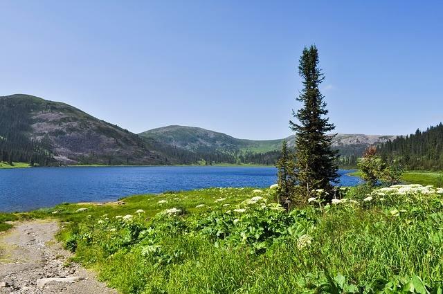lake-71390_640