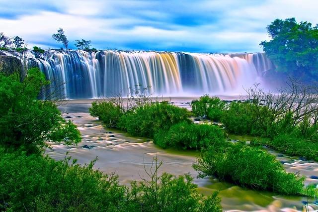 waterfall-163579_640