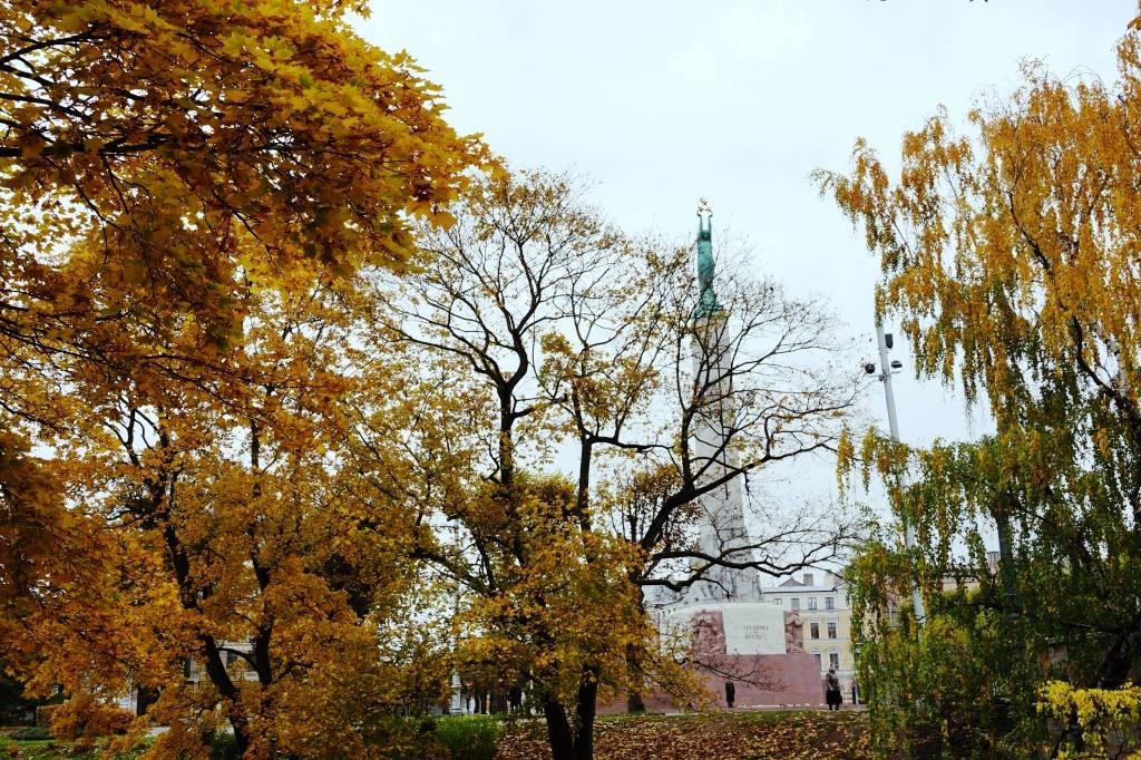 монумент свободы рига