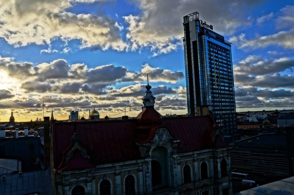"Отель Латвия на пр. Бривибас. Вид из кафе ""Панорама"""