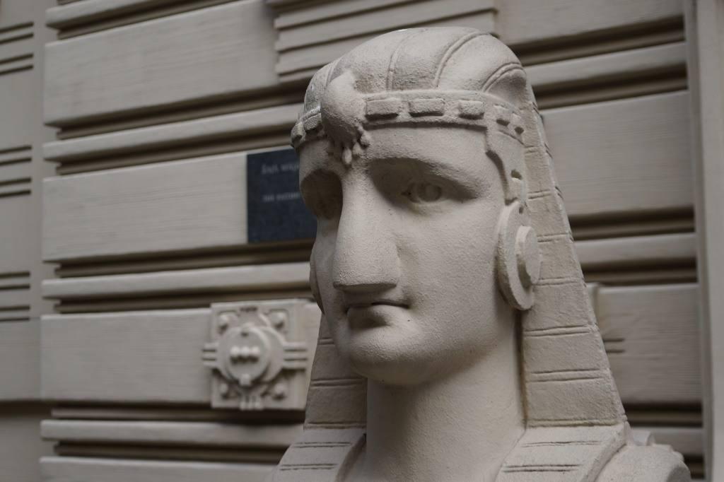 статуя в Риге