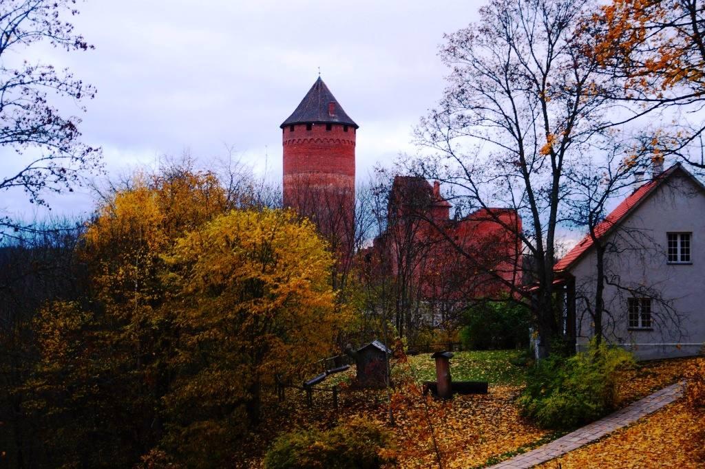 Турайдский замок осенью