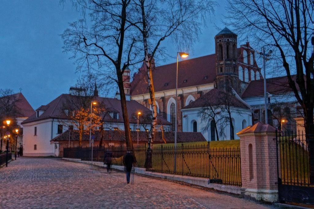 Вильнюс костел ночью