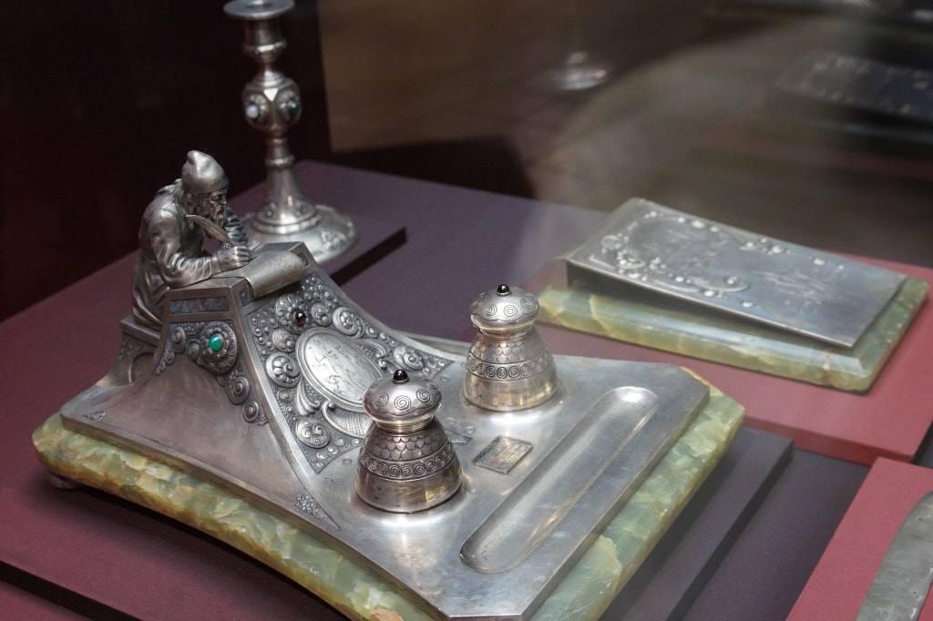 серебряная чернильница