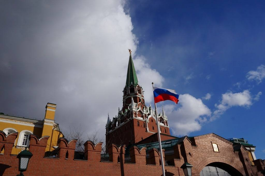 флаг у кремля