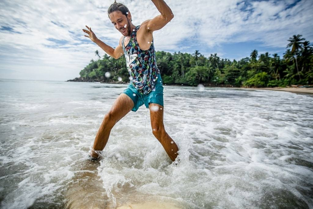 серфинг в океане
