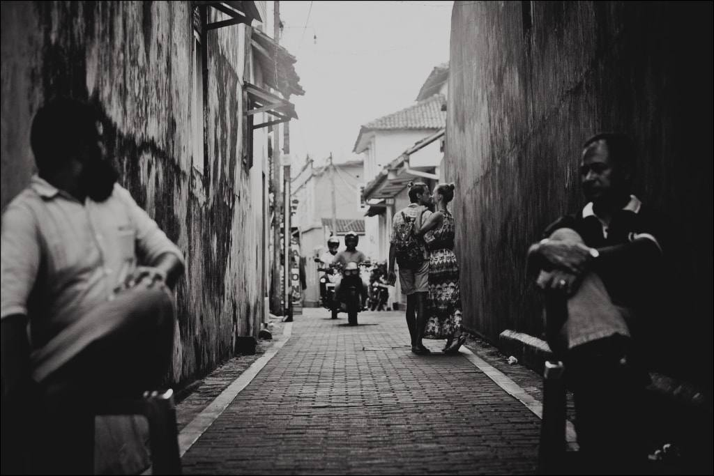 прогулка по городу в Азии