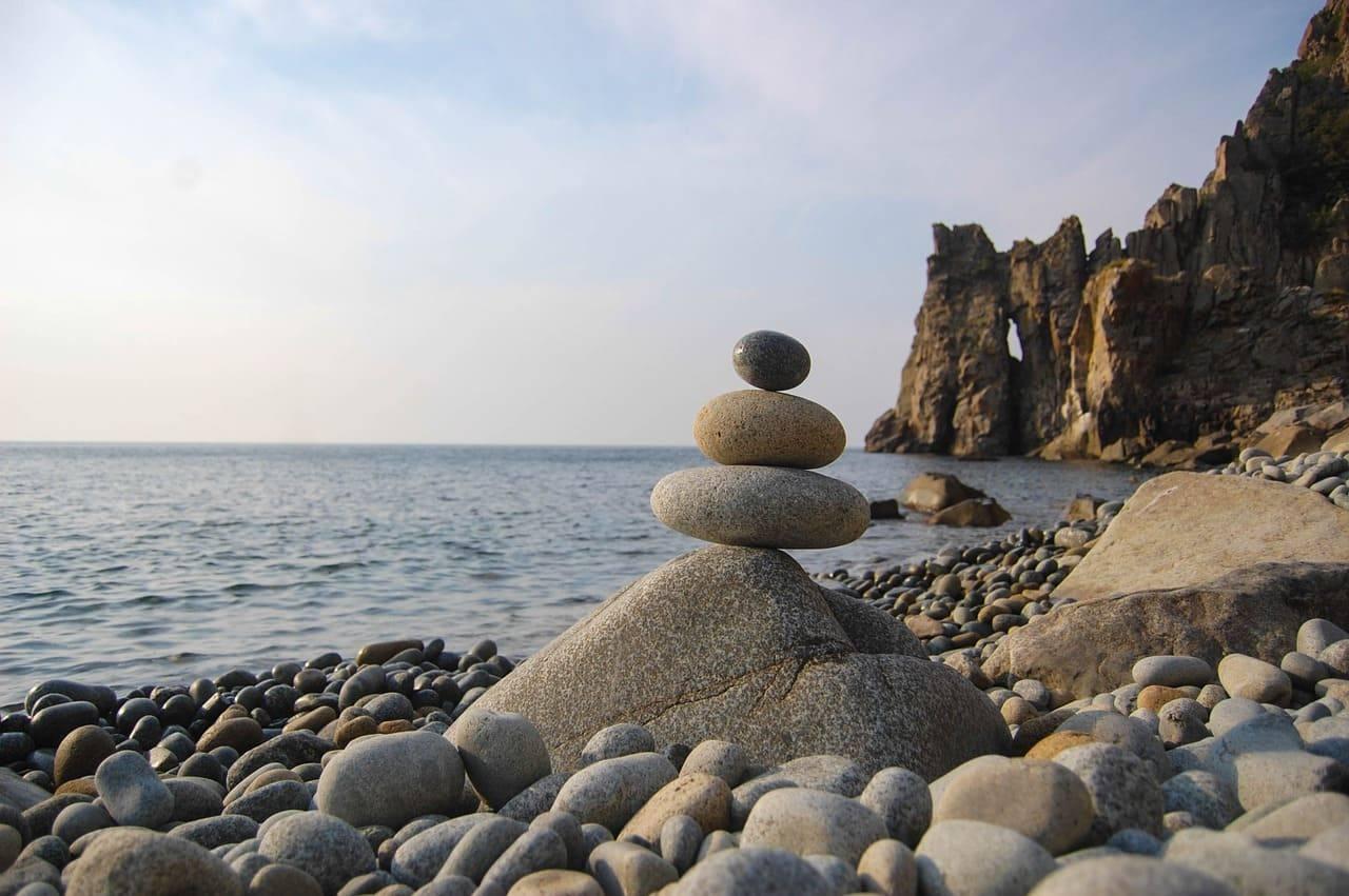 каменный пляж Крым