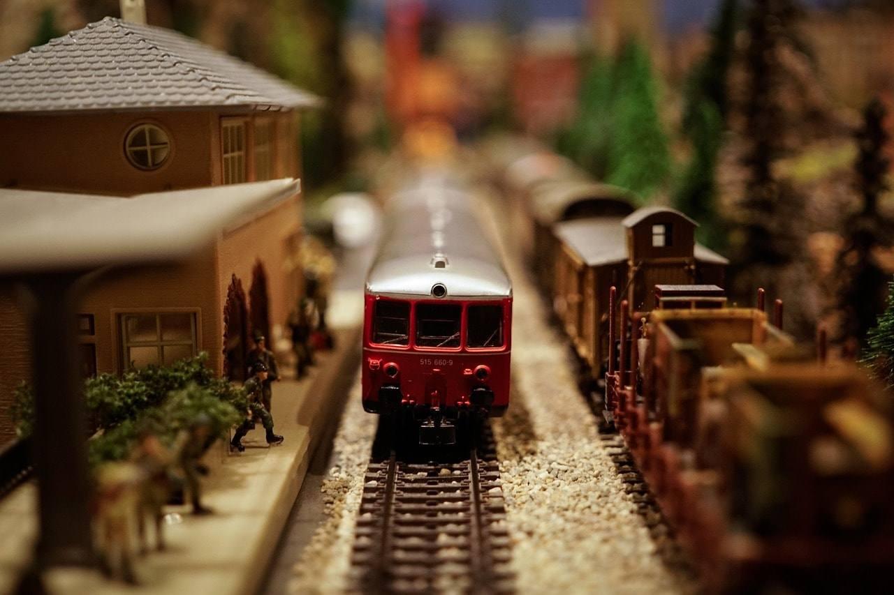 игрушка поезд локомотив