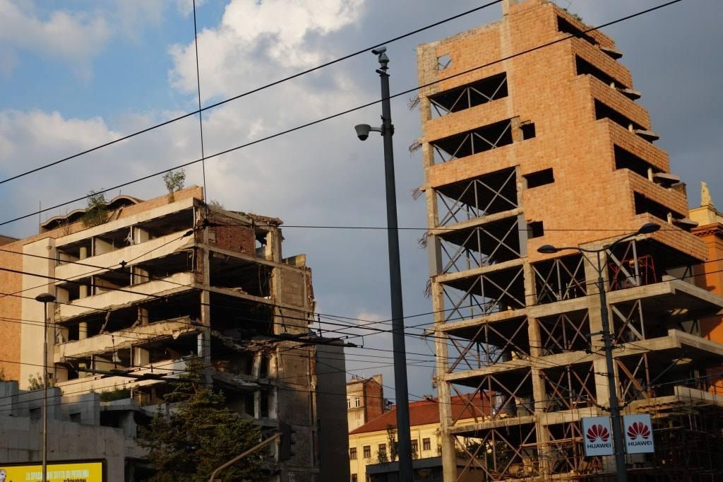 разрушенное здание Белград