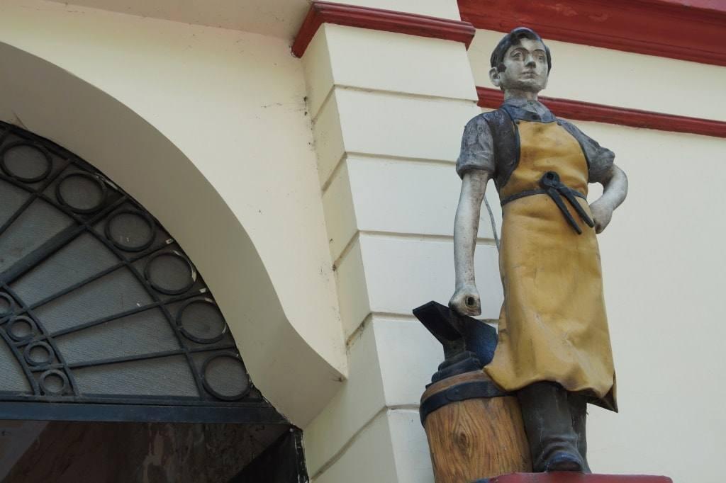 fasad-skulptura