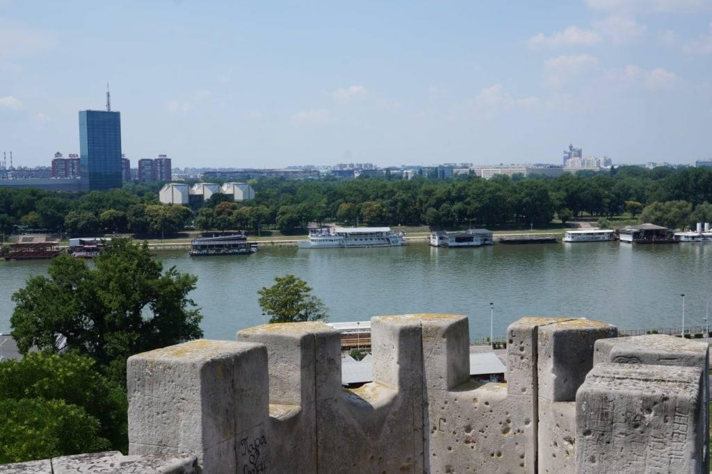 plavuchije disco na Dunaje Belgrad Serbia