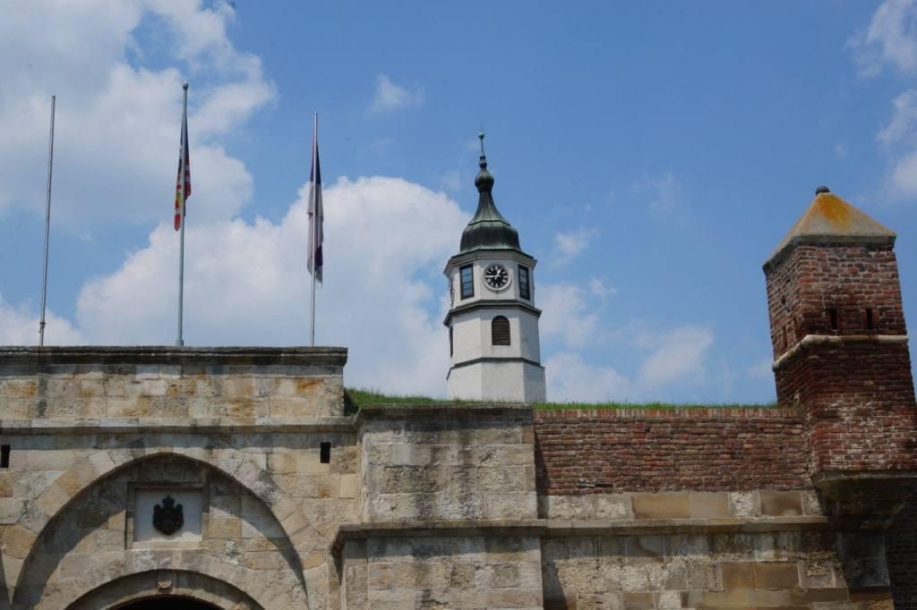 Bashnja s chasami v Belgradskoj kreposti Serbija