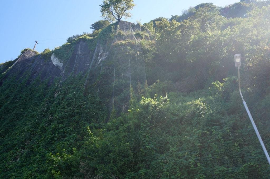 skaly-v-sarpi