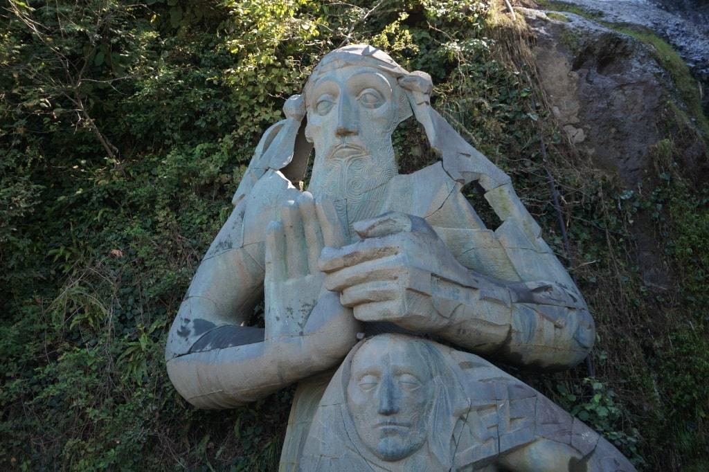 skulptura-andreya-pervozvannogo-v-sarpi-min