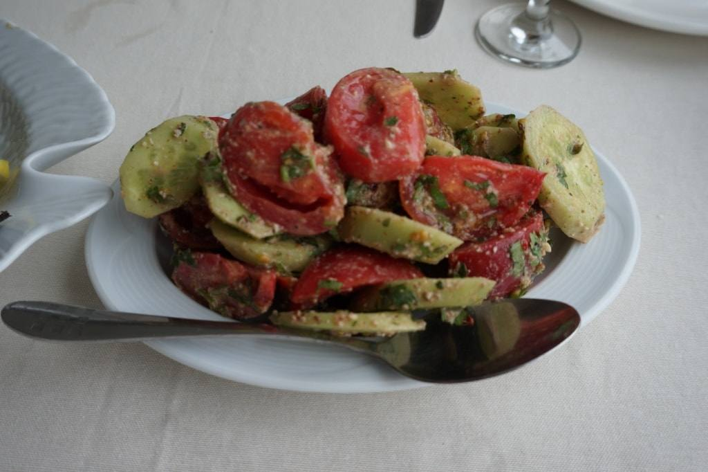 -gruzinskij-salat