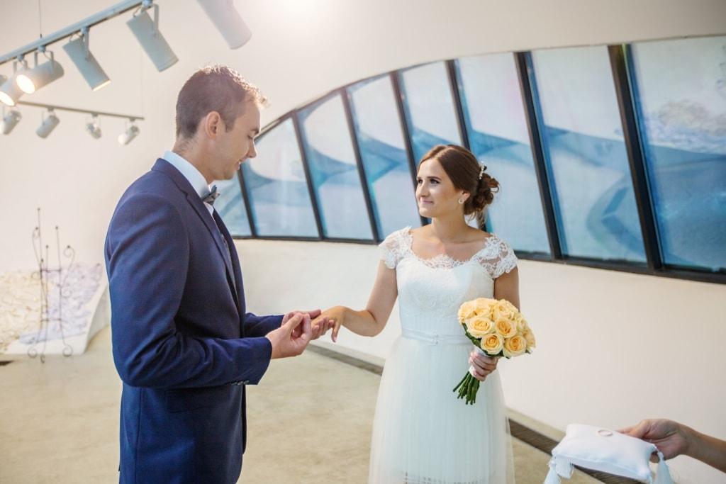 Невеста сделала это прямо на свадьбе рассказ фото 491-313