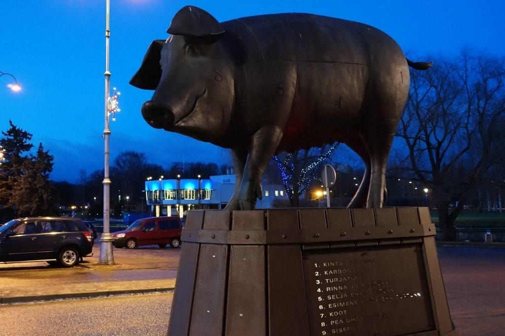 pamiatnik-svinje