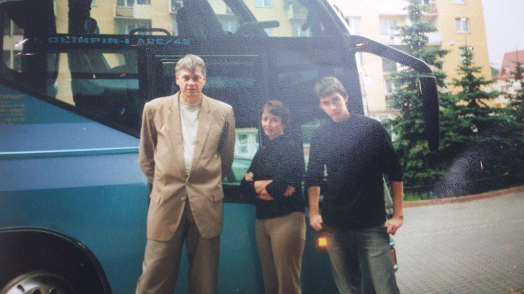 Антон-Бородачев-с-родителями