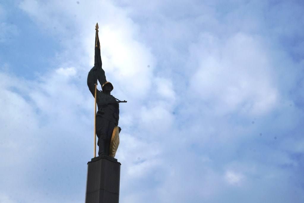monument-v-vene