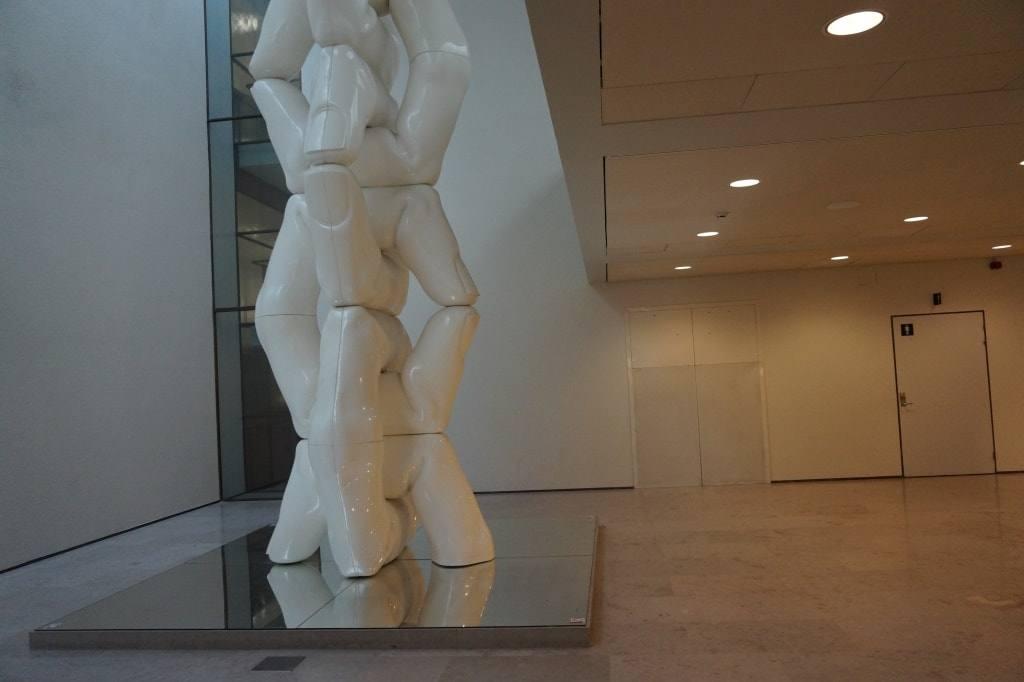 avangardnaja-skulptura-palcy