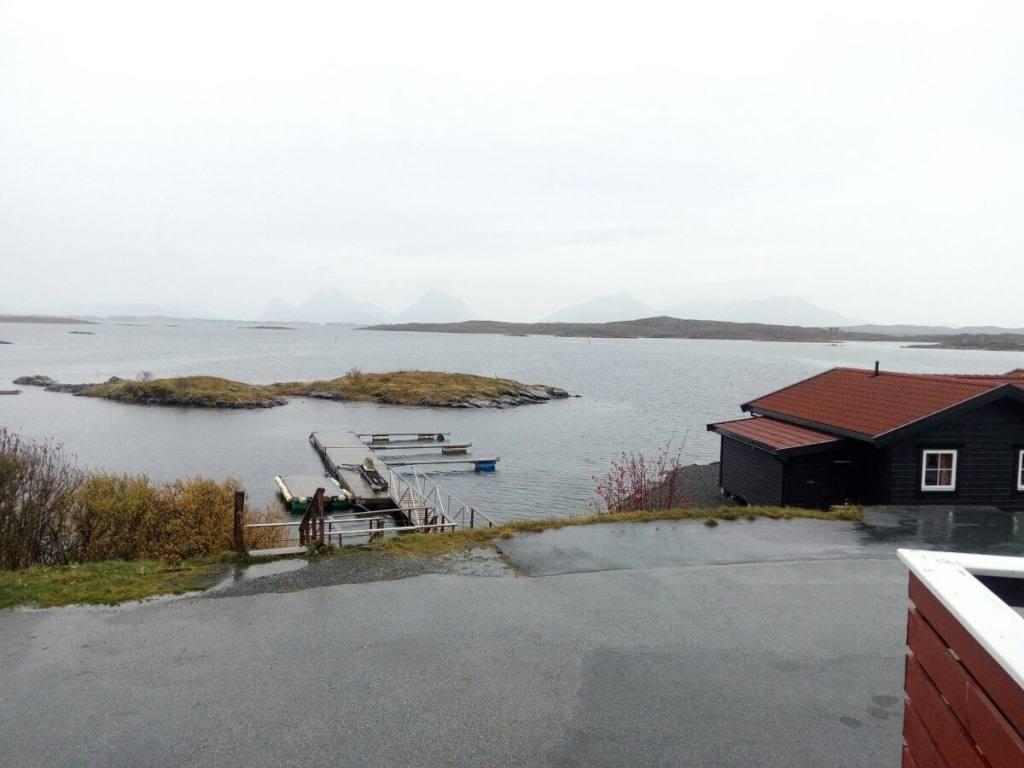 doma-na-ostrove