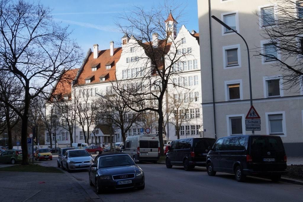 Жизнь в Германии. Как выглядят обычные жилые кварталы в Мюнхене и Нюрнберге.
