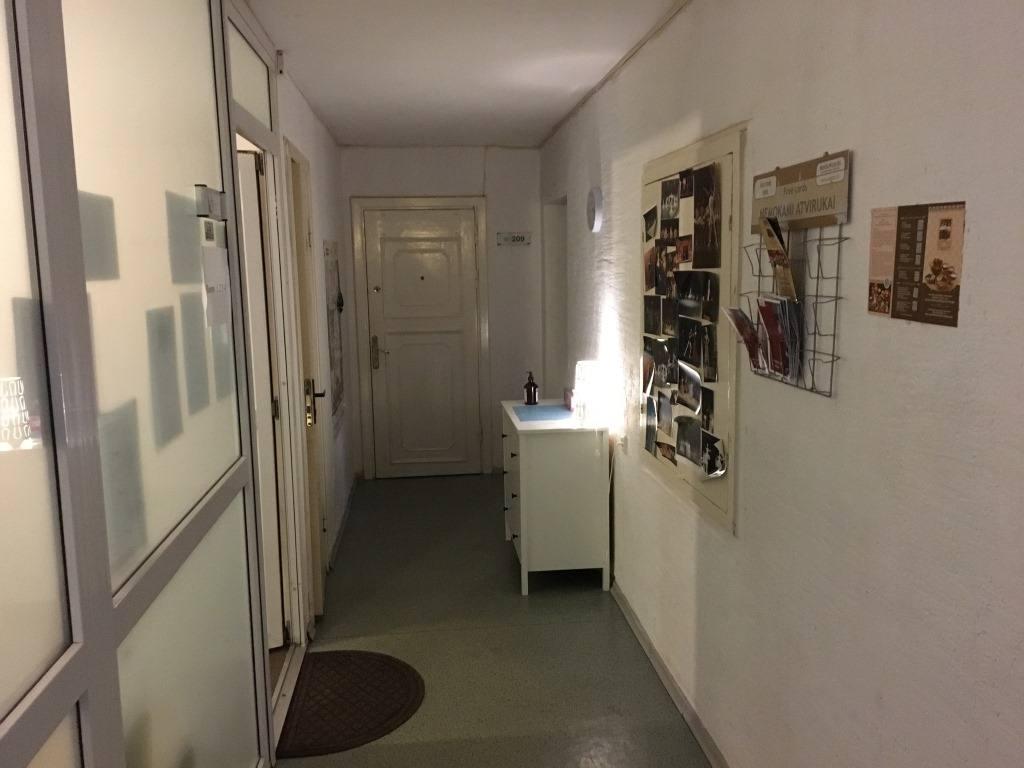 koridor-v-xostele-opera