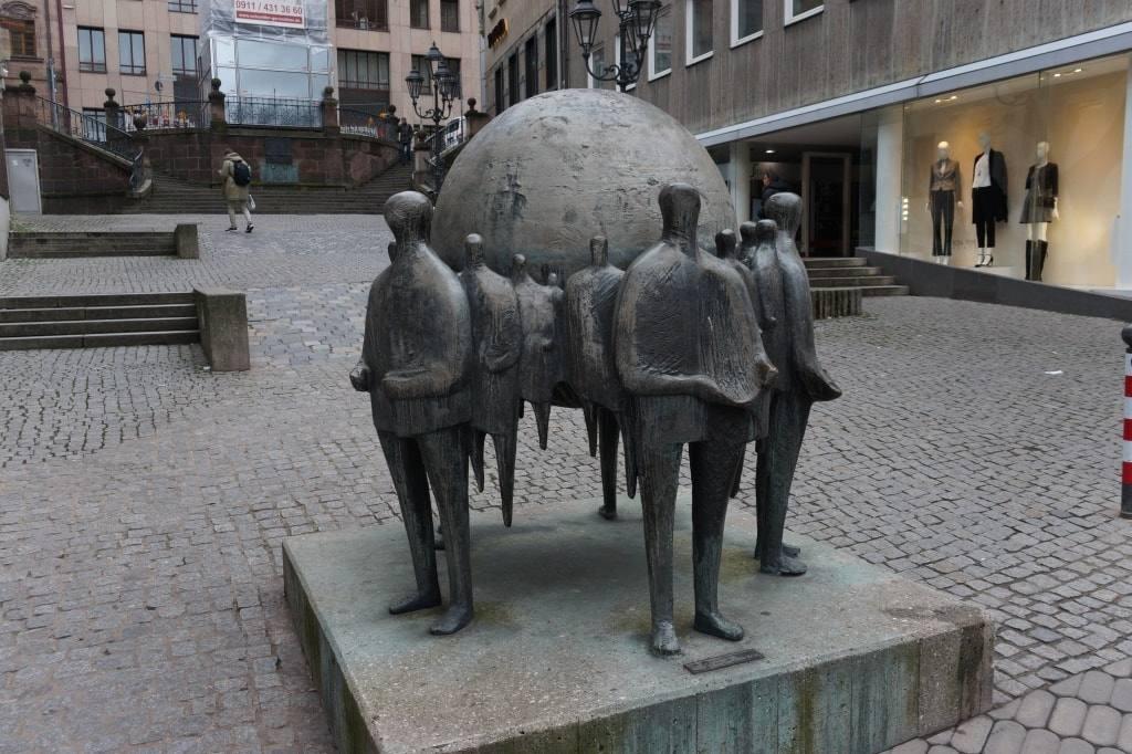 ulichnaja-skulptura