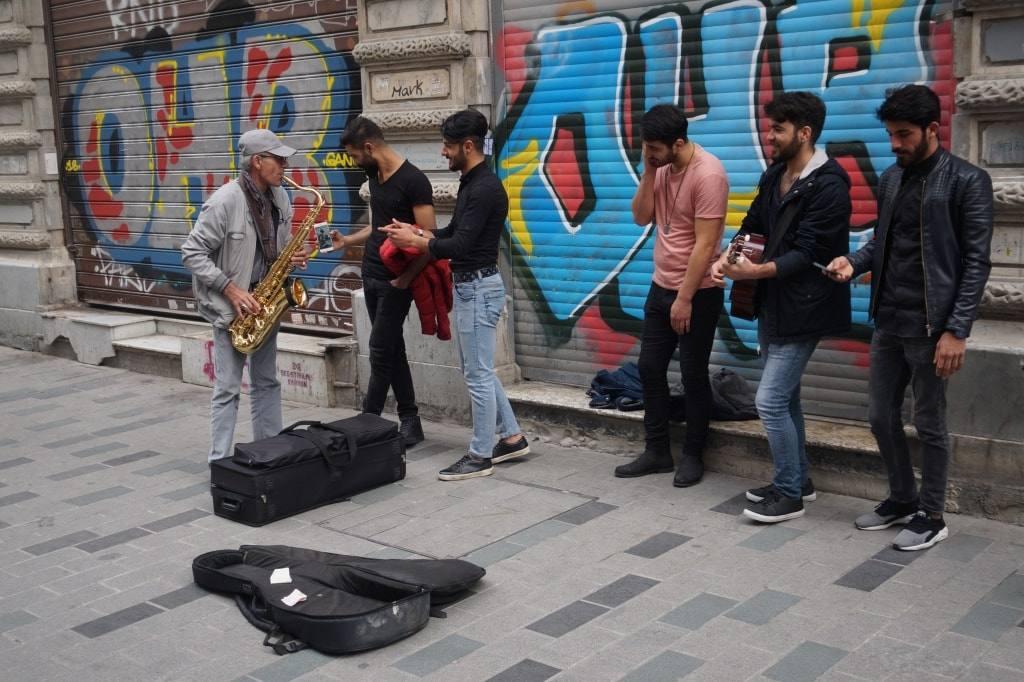 ulichnye-muzykanty