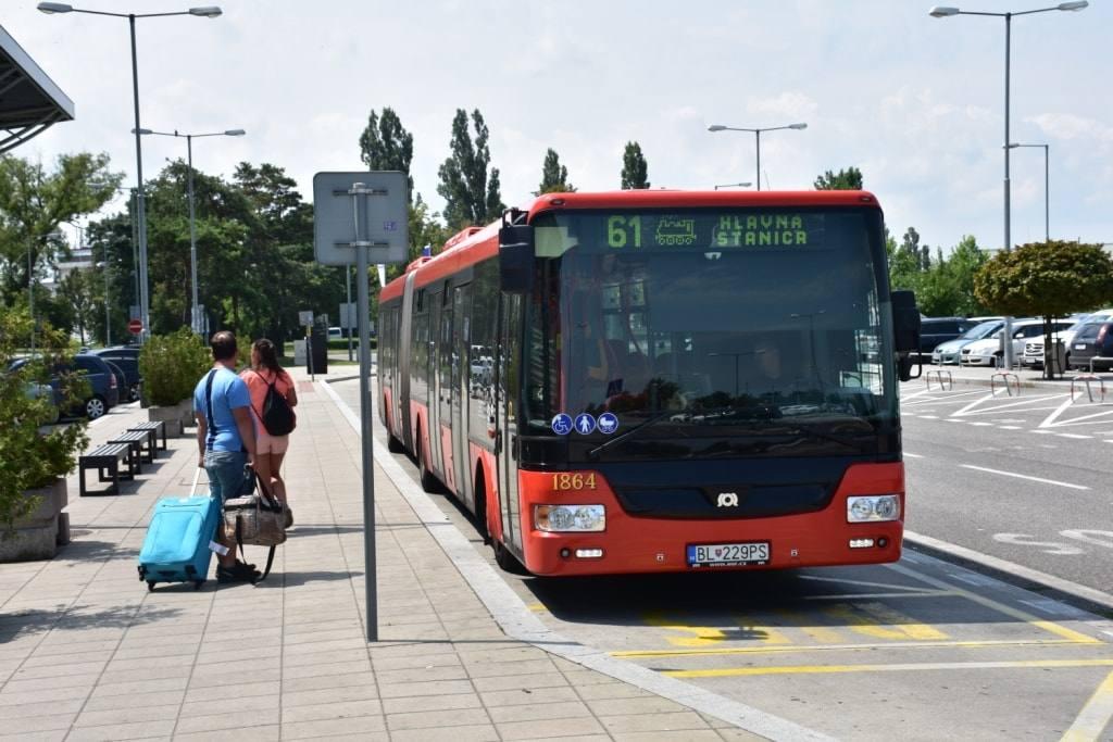 avtobus-v-gorod-iz-aeroporta-bratislavy