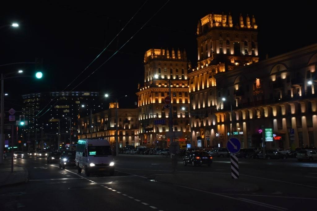 vorota-v-gorod-nochju