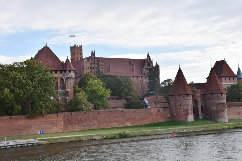 zamok-marienburg-vid