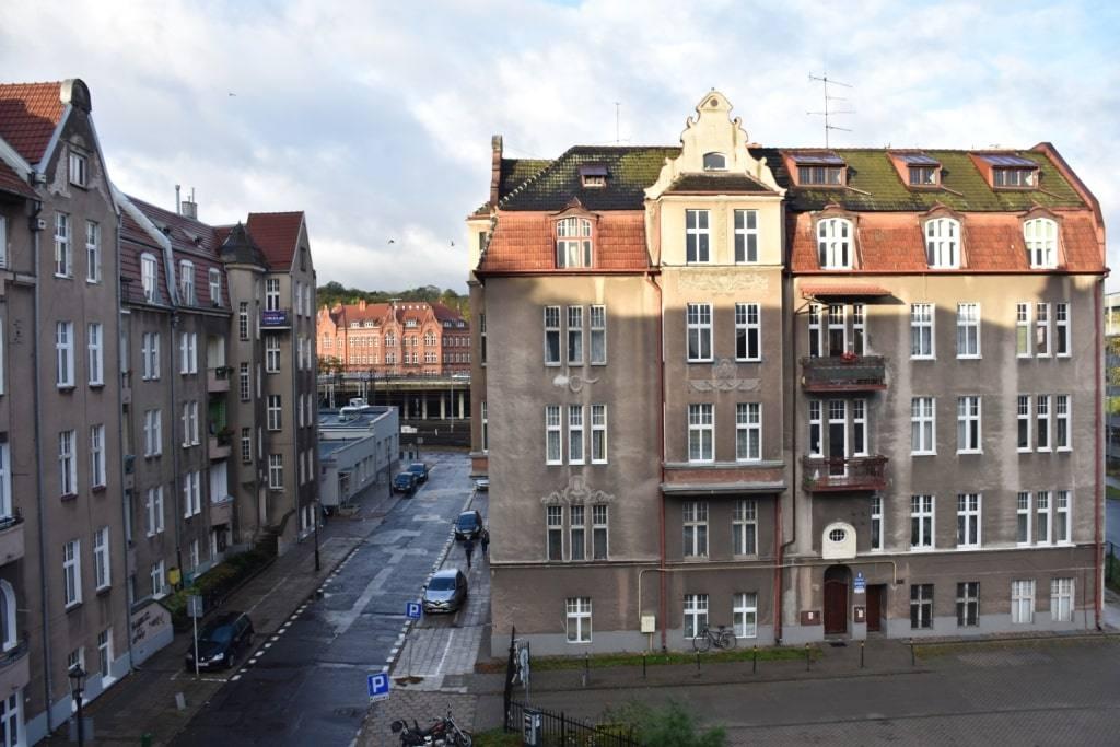 Обзор моей гданьской квартиры. Бесплатный роллтон и кровать на 2-м этаже.
