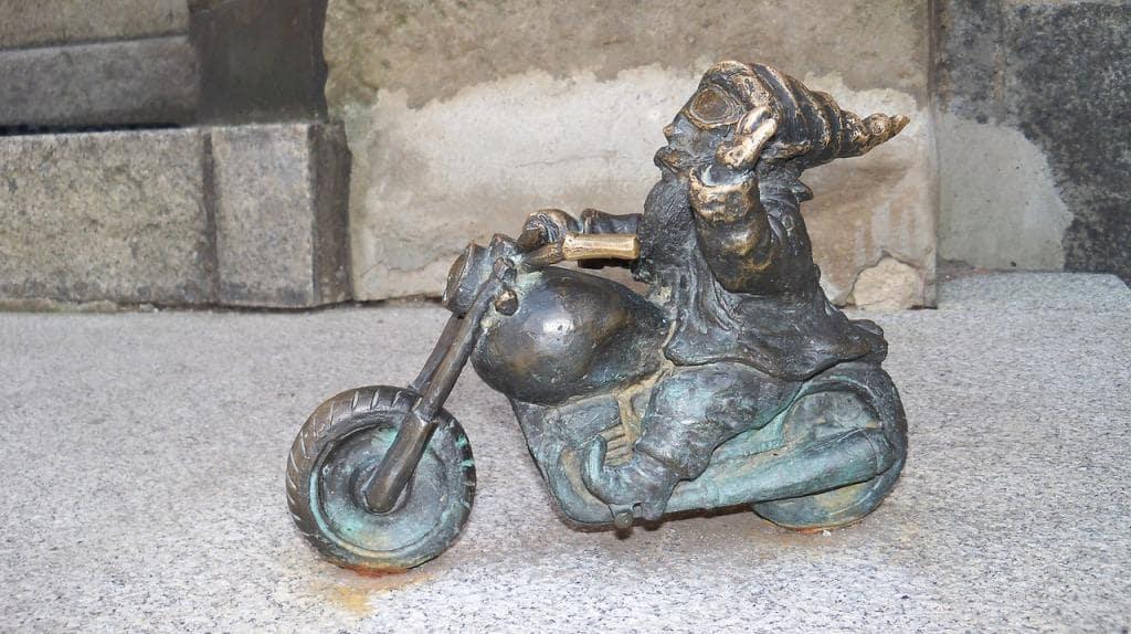 gnom-na-motocikle
