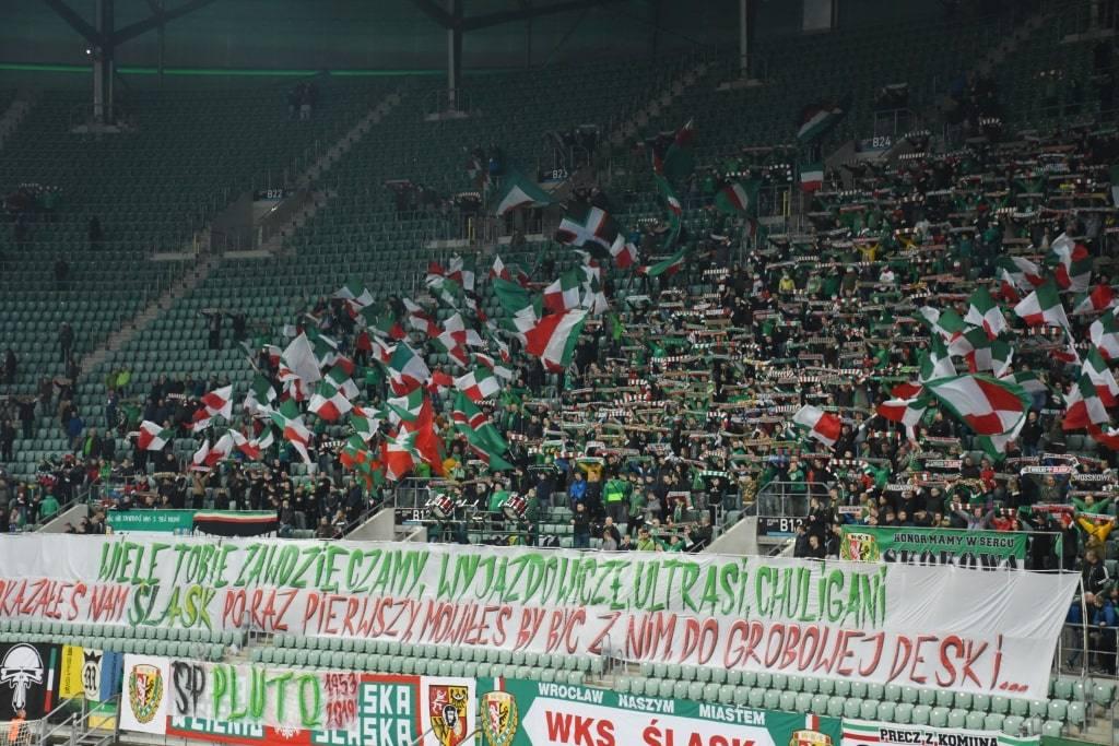 polskie-fanaty-na-match