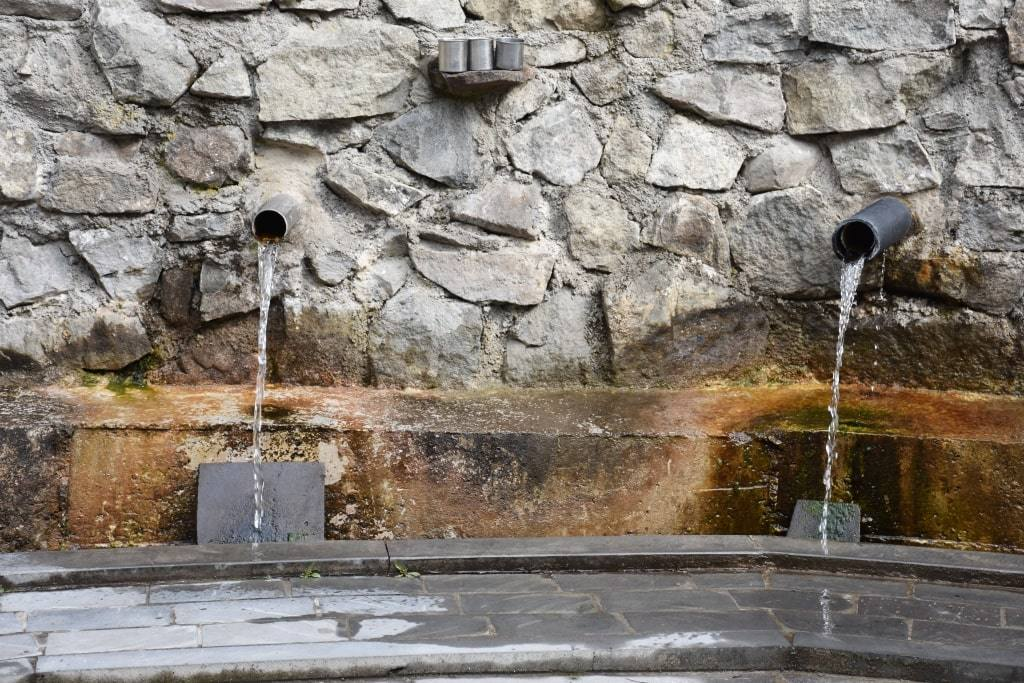 istochnik-s-vodoj