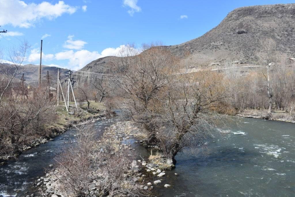 reka-v-gruzii