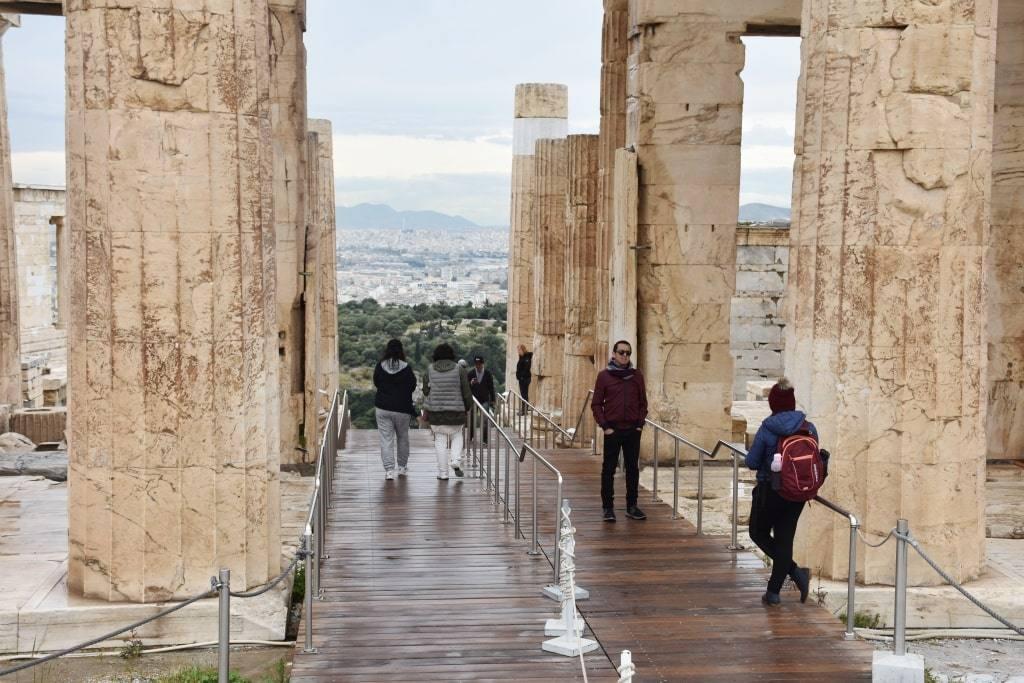 kolonny-akropolis