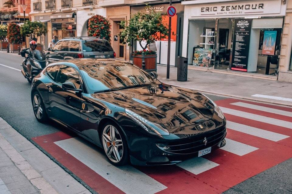 luksovyj-avtomobil