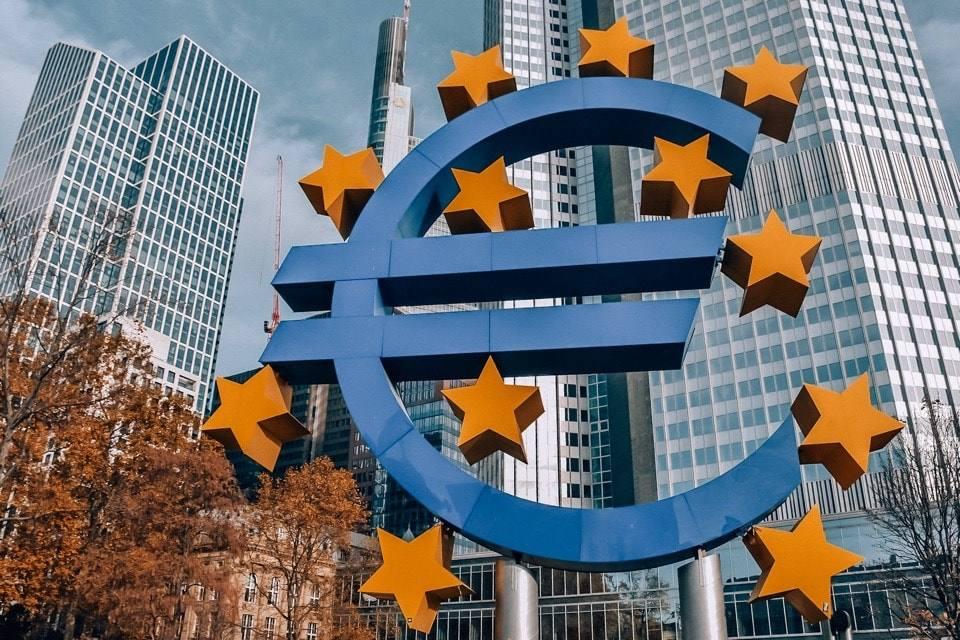 znak-evro--frankfurt
