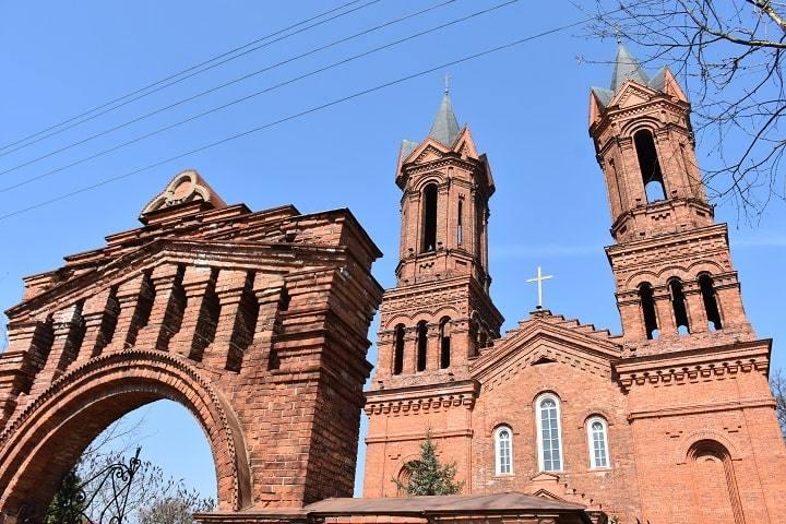 kostel-svjatoj-barbary