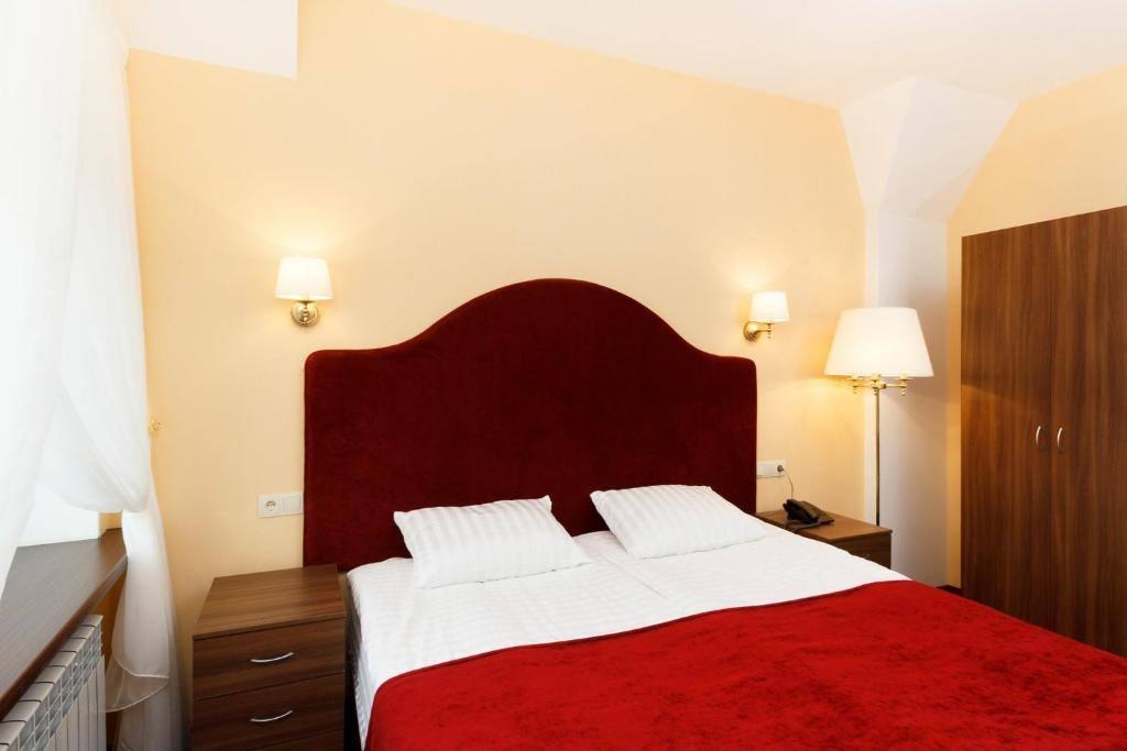 braslaw-lakes-hotel