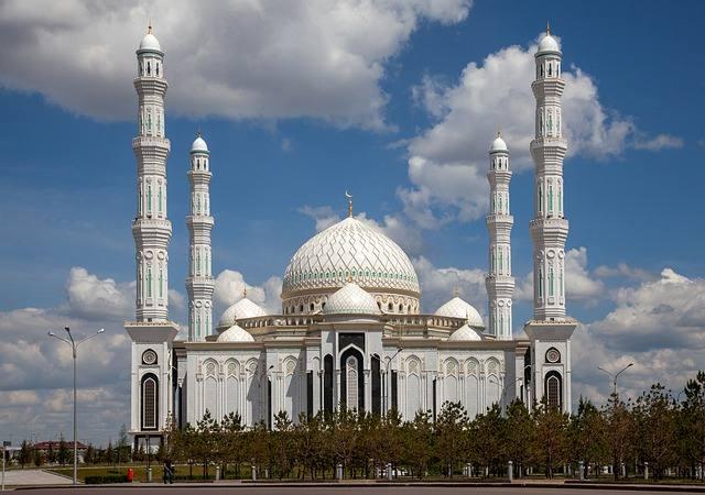 Астана - оазис среди бескрайних казахских степей