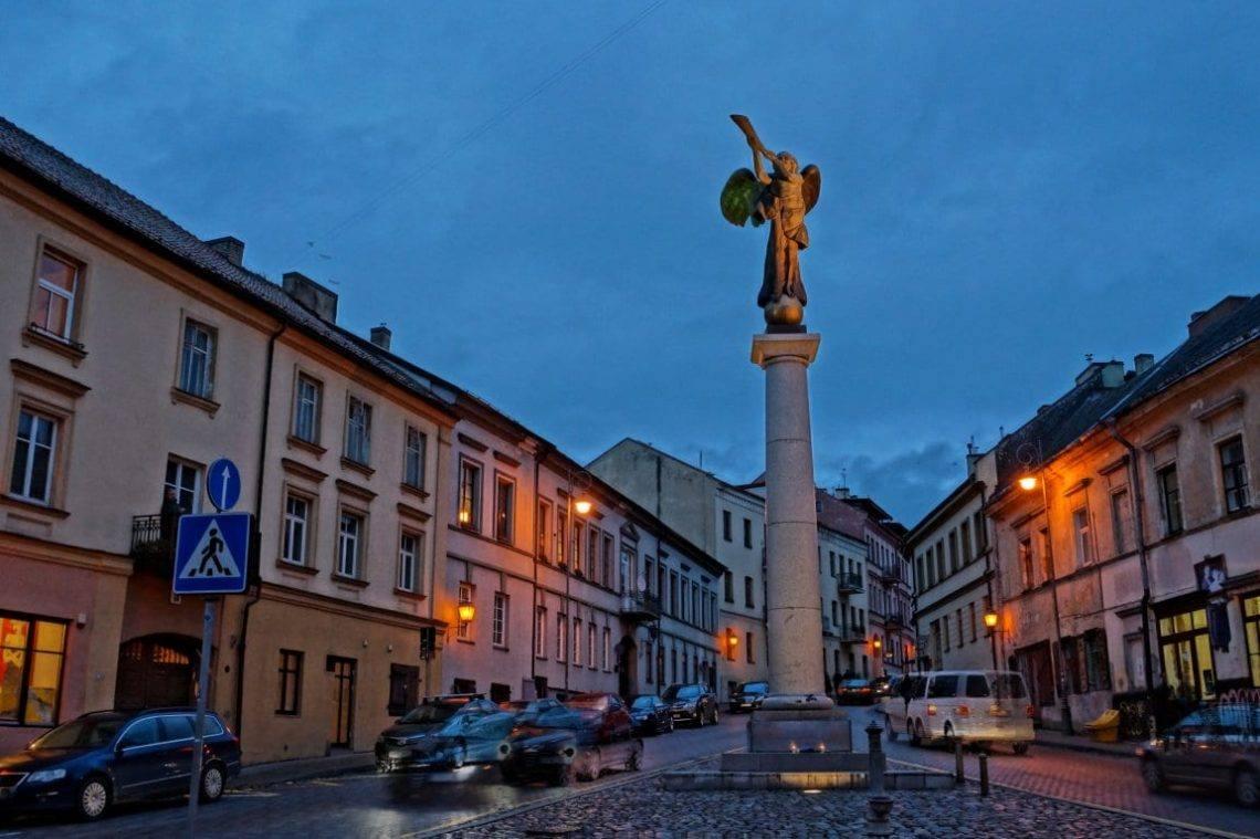 Прогулка по Вильнюсу ночью: 100 шагов до рассвета