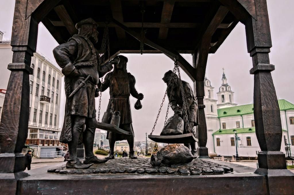 скульптура в Верхнем городе