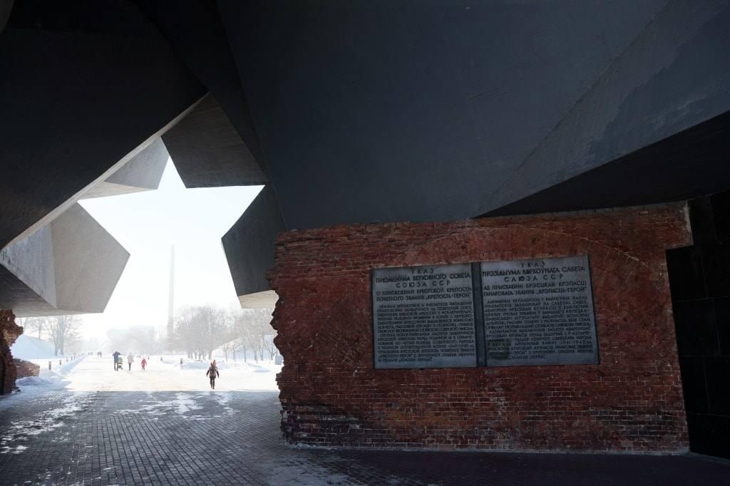 музей Брестская крепость ворота