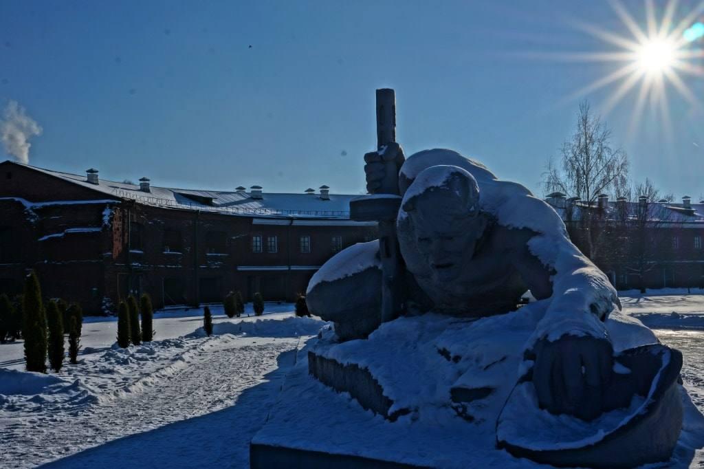 монумент Жажда в Брестской крепости