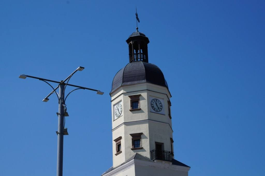 часы на несвижской ратуше